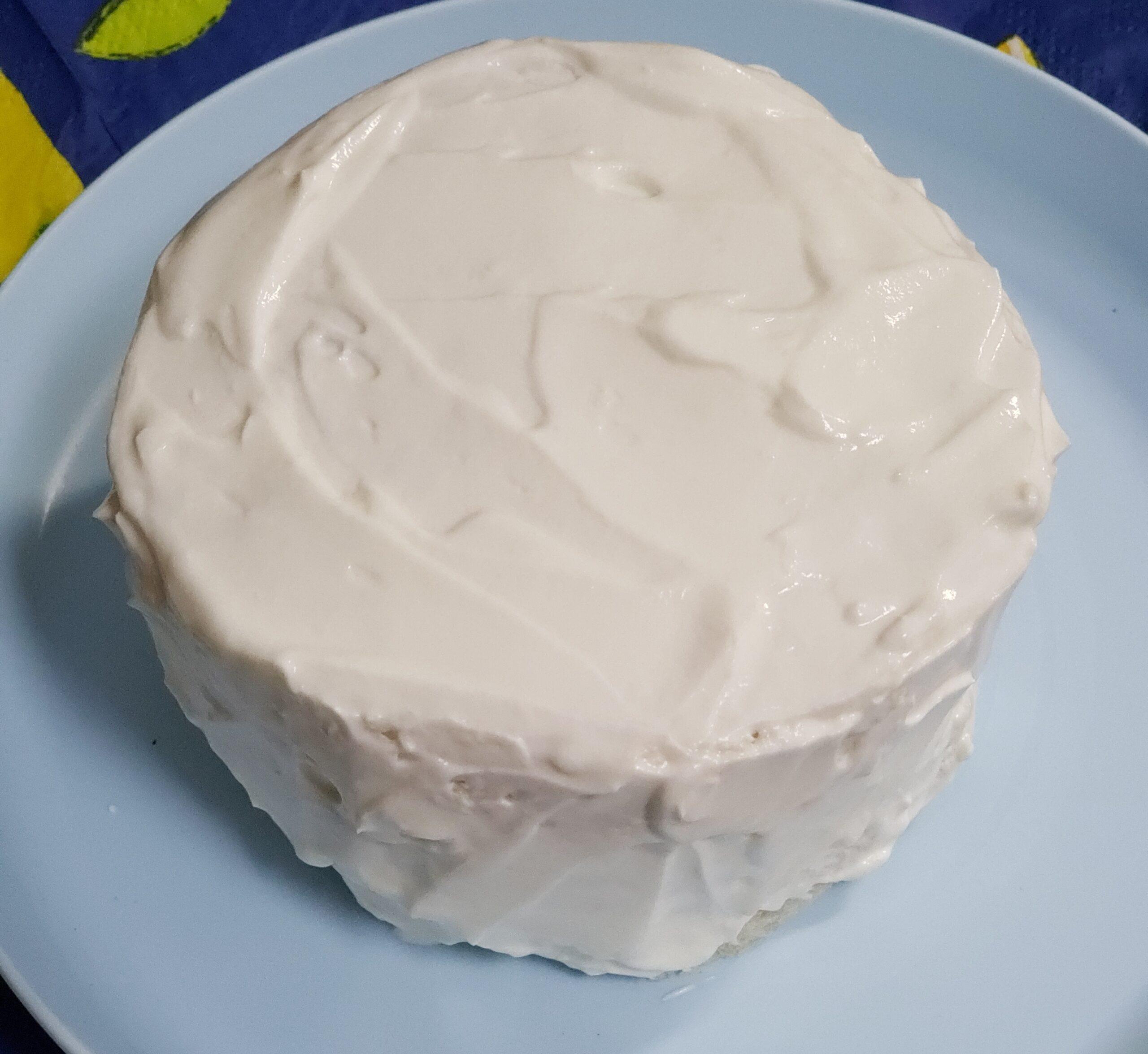 スマッシュケーキ作り中のクリームが塗られた食パン
