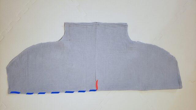 水色のガーゼバスタオルで作るバスタオルポンチョ